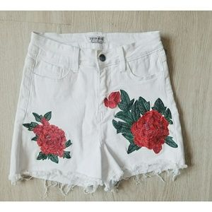 Fashion Nova White Flower Embroidered Short NWT